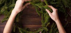 Weihnachten kann kommen – mit unseren 11 Adventskranz-Ideen!  Am 27.11. ist erster Advent. Ihr seid noch nicht in Weihnachtsstimmung? Das haben wir was – und zwar elf außergewöhnliche Adventskranz- Ideen, die ihr ganz einfach zu Hause nachmachen könnt.