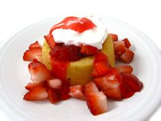 Low Calorie Fresh Strawberry Shortcake. This NEW dessert has just 4 store bought ingredients and is pure strawberry bliss! Each skinny serving has 135 calories, 1 gram of fat and 4 Weight Watchers Points Plus. http://www.skinnykitchen.com/recipes/low-calorie-fresh-strawberry-shortcake/