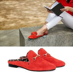 N O V E D A D‼️  Las primeras mules de Mislita ya están disponibles en la shop, ¡hay 6 modelos! ¡Pinea si te apasionan!    #mules #zapatos