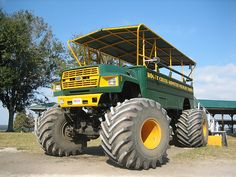 Why in the world is there not these school buses out running around its awesome!!!