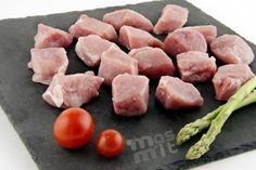 Magro de cerdo en dados. Una carne perfecta para guisar, hacer brochetas... Muy asequible de precio y con alto contenido en proteínas. Carne online de calidad.