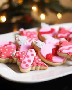 pink and red ornament cookies.