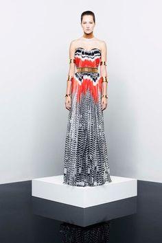 Alexander McQueen RTW Spring/Summer 2014 Ready-To-Wear