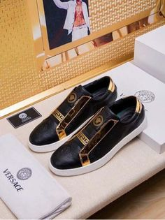 Versace Versace New Size 18059955283 Versace Logo, Versace Shoes, Versace Versace, Forearm Workout, Latest Fashion, Mens Fashion, Hype Shoes, Pretty Shoes, Leather Slip Ons
