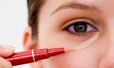 Qual corretivo usar?  Líquido, cremoso, em bastão ou em lápis?