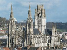 Just over an hour from Paris by train, Rouen is the capital of Haute-Normandie and the perfect town to visit if you feel like. St Ouen, French Cathedrals, Ely Cathedral, Day Trip From Paris, Temple Ruins, Church Architecture, Church Building, Chapelle, Construction