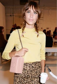 7 Alexa Chung Hairstyles to Copy Now via @byrdiebeauty