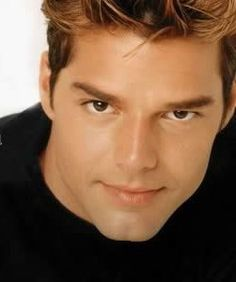 Ricky Martin, look at that face!