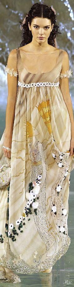 Fall 2016 Haute Couture - Fendi