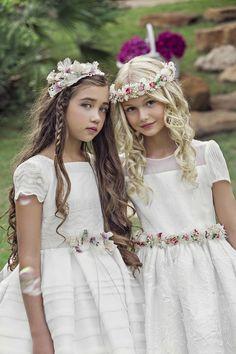 The Little Dress, su vestido de comunión #vestidodecomunion #comuniones #vestidosniñascomunion #primeracomunion #vestidodecomunion #trajedecomunion #JosefinaHuerta