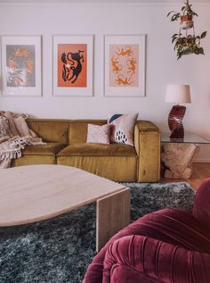 Take a peek inside the stunning Colorado Springs home of interior stylist Arianna Danielson. She shares her tips for the maximalism trend done right. Loft Furniture, Modern Furniture, Furniture Design, White Furniture, Furniture Stores, Interior Decorating Tips, Home Interior Design, Interior Stylist, Interior Doors