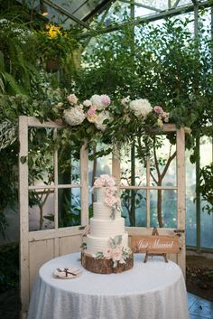 Backyard Type Marriage at La Caille La Caille Marriage Salt Lake Metropolis Marriage Blush Wedding Michelle Leo Events Utah Event Planner and Custom McKenzie Deakins Taking pictures Wedding Table Toppers, Wedding Cake Table Decorations, Wedding Cake Display, Simple Wedding Centerpieces, Wedding Cake Backdrop, Wedding Cake Tables, Barn Wedding Cakes, Blush Wedding Cakes, Floral Wedding Cakes