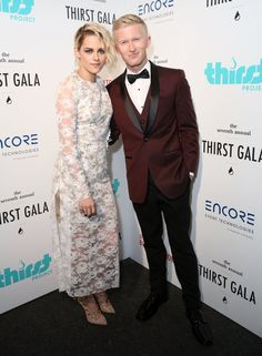 Pin for Later: Kristen Stewart Makes a Glamorous Appearance on the Red Carpet For a Good Cause