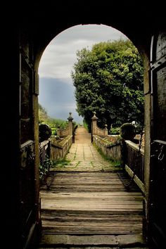 Garden Portal, Vignanello, Italy.  Vignanello is a comune in the Province of Viterbo in the Italian region Latium, located about 60 km northwest of Rome and about 14 km southeast of Viterbo. As of 31 December 2004, it had a population of 4,699 and an area of 20.5 km²
