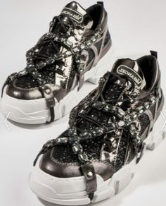 6c7c48a5fbc97 Siyah taşlı Bambi kokoş pullu spor ayakkabı modeli | Kadınca Fikir - Kadınca  Fikir