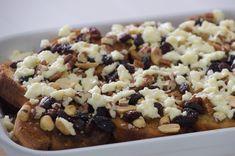 Receta mexicana de Capirotada tradicional con piloncillo. Anímate a preparar este sencillo postre, es facilísimo y rápido de hacer, ideal para compartir.