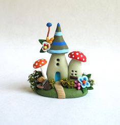 Miniatur skurrilen Märchen Hobbit House OOAK von von ArtisticSpirit
