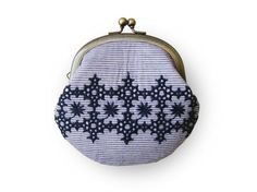 Items similar to Metal frame coin purse // Embroidered blue Line on Etsy Embroidery Works, Hand Embroidery, Cute Coin Purse, Purse Storage, Little Bag, Purses And Bags, Coin Purses, Small Bags, Purse Wallet