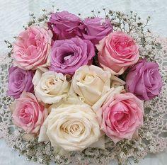 Mercidekor (@mercidekoreskuvo) • Instagram-fényképek és -videók Roses, Flowers, Plants, Instagram, Happy Birthday Woman, Pink, Rose, Plant, Royal Icing Flowers