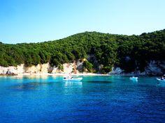 Plaža Blue Lagoon, jedna od najlepših divljih plaža na Krfu  Pročitajte više utisaka sa Krfa na našem sajtu.  #letovanje #Krf #Grčka #more #ostrvo #Greece #Corfu