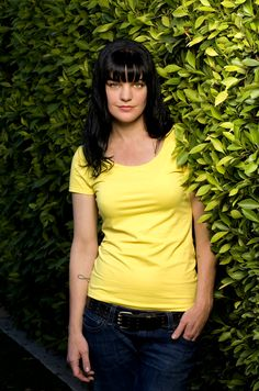 pauley perrette Famous Girls, Famous Women, Famous People, Ncis Abby Sciuto, Pauley Perrette Ncis, Pauley Perette, Ncis Characters, Star Wars, Beautiful Wife