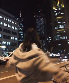 """♬ 이 제노 ♬ [ ᴏɴ ɢᴏɪɴɢ ] """"jangan harap lo bisa lepas dari gue! Night Aesthetic, City Aesthetic, Korean Aesthetic, Aesthetic Photo, Aesthetic Girl, Aesthetic Pictures, Aesthetic Women, Ideas For Instagram Photos, Profile Pictures Instagram"""