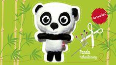 Dies ist die Nähanleitung für einen Panda-Knuschel.   Pandas brauchen viel Liebe und möchten am liebsten den ganzen Tag nur kuscheln. Ihr weiches Fell muss mehrmals am Tag gekrault werden.  In der Anleitung ist der Schnitt und eine detaillierte, bebilderte Beschreibung in 12 Schritten im PDF-Format enthalten.  Es kann also auch der Nähanfänger einen Panda machen, man muss dazu kein Profi sein.  Der fertige Panda ist ungefähr 28 cm groß.   Ihr lernt dabei ein dreidimensiones Tier zu nähen…