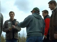 Jake Abel is so funny. And if you look at the right time, you can see Jensen's cute laugh. ;)