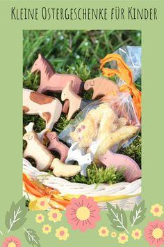 Ostern - kleine Geschenkideen für Kinder - Holztiere für das Osternest. Kleines Geschenk vom Osterhasen.   #ostern #nest #geschenk Dog Food Recipes, Pets, Easter Gifts For Kids, Woodworking Toys, Easter Bunny, Families, Little Gifts, Animals And Pets