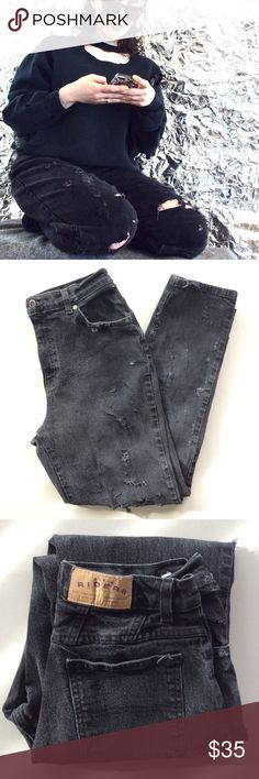 "D I S T R E S S E D jeans Women's size 10M vintage distressed denim Riders ""mom"" jeans. These are very cool and comfortable! Please feel free to ask questions or make an offer! 😎 (UNIF TAGGED FOR EXPOSURE ONLY) UNIF Jeans"