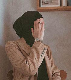 Modest Fashion Hijab, Street Hijab Fashion, Casual Hijab Outfit, Hijab Chic, Muslim Fashion, Hijabi Girl, Girl Hijab, Hijab Trends, Hijab Fashion Inspiration