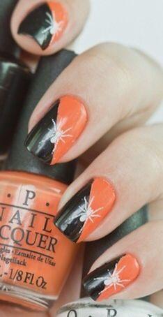 Uñas Halloween color negro y naranja-araña