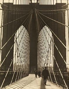 Brooklyn Bridge, 1930's. Awesome landmark of NYC.