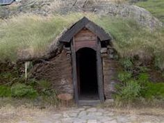 Picture of the reconstructed entrance of the long house at Eiríksstaðir.