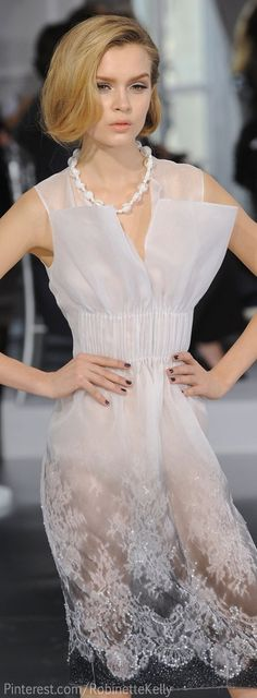 Dior at Couture Spring 2012 Christian Dior Haute Couture Dior Fashion, Couture Fashion, Runway Fashion, Womens Fashion, Dior Haute Couture, Couture Makeup, White Fashion, Love Fashion, Christian Dior