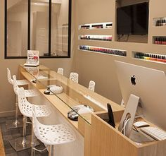 Best pedicure salon interior design manicures Ideas Source by mazinhapc Home Nail Salon, Nail Salon Design, Nail Salon Decor, Hair Salon Interior, Beauty Salon Decor, Beauty Salon Design, Hair And Nail Salon, Makeup Salon, Interior Design Color Schemes