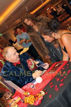 Crystal Ball readings for Parties & corporate entertainment;from Calmer…