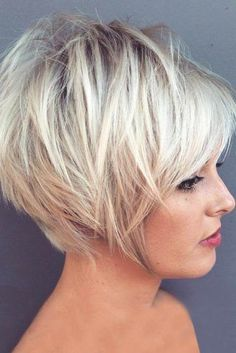 35 new short layered hairstyles 2018 - Madame neue kurze geschichtete Frisuren 2018 – Madame Friisuren 35 New Short Layered Hairstyles 2018 – Madame Hairstyles Short Layered Bob Haircuts, Classy Hairstyles, Popular Short Hairstyles, Short Hairstyles For Thick Hair, Hairstyles For Round Faces, Short Hair Cuts, Curly Hair Styles, Hairstyles 2018, Pixie Cuts
