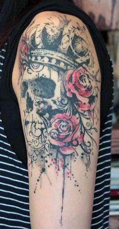 tatuaż czaszka w koronie
