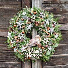 Hydrangea / Vianočný veniec zo živej čečiny Christmas Wreaths, Holiday Decor, Home Decor, Decoration Home, Room Decor, Home Interior Design, Home Decoration, Interior Design