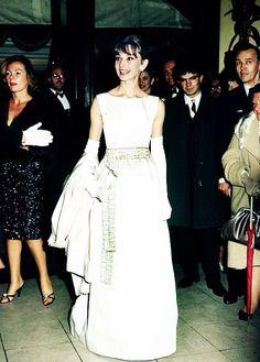 In Love With Audrey Hepburn Yves Saint Laurent, Audrey Hepburn Born, Roman, Body Hugging Dress, Valentino, My Fair Lady, Tiffany, Star Wars, Types Of Fashion Styles