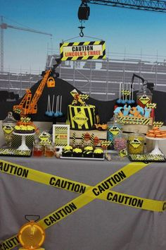 Many little boys love to build! This construction themed birthday party has so many great ideas that they will love.