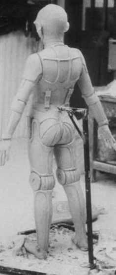 C3-P0's butt-an early version --From 1,138 behind the scenes photos of the Star Wars Trilogy - Imgur