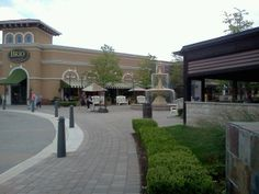 Best outdoor mall year round!