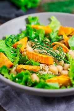 Sweet Potato Fennel Salad w/ Quinoa & Chickpeas - Jar Of Lemons Clean Eating Recipes, Healthy Eating, Healthy Meals, Real Food Recipes, Vegan Recipes, Chickpea Recipes, Vegan Food, Yummy Food, Detox Recipes