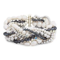 This Out on the Town Pearl Bracelet is the perfect glam accessory for a night out with girlfriends or a fancy date with a special someone. Especially during wedding season, this DIY bracelet can really come in handy! Try this interwoven jewelry look!