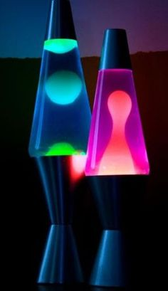 How to Make a Lava Lamp. Have your kids make a lava lamp out of materials around the house to introduce them to this groovy relic from the past. Unlike real lava lamps, these homemade lava lamps are non-toxic and unheated. Cool Lava Lamps, Make A Lava Lamp, Homemade Lava Lamp, Deco Retro, Back In The 90s, Girl Thinking, College Dorm Rooms, Ol Days, The Good Old Days