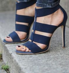 Tendance chausseurs : Women Will Simply Fall In Love With These Popular Beautiful Heels sandals high heels outfit Hot Shoes, Crazy Shoes, Me Too Shoes, Pumps, Stilettos, Stiletto Heels, Cool High Heels, Black High Heels, Blue Heels