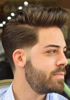39 Best Of Short Haircuts for Men to Create in 2018 You may find here the coolest ideas of best hairstyles for mens. Like ladies, there are so many best styles of haircuts for men also that you may find here to show off in Trending Hairstyles For Men, Classic Mens Hairstyles, Mens Hairstyles Fade, Cool Hairstyles For Men, Haircuts For Men, Hairstyle Ideas, Men's Haircuts, Hairstyle Men, Short Beard