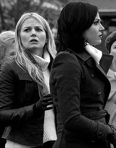 Once upon a time - Jennifer Morrison - Emma Swan - OUAT - Lana Parrilla - Regina Mills - Evil Queen